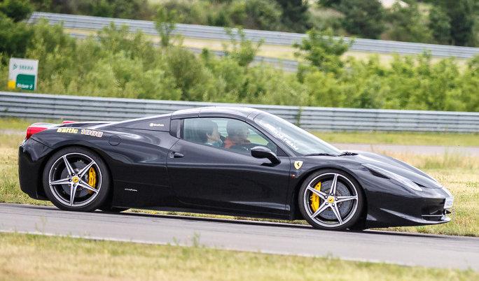 Ferrari fahren Gutschein für die Rennstrecke von Fun4You