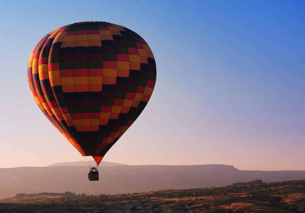 Ballonfahrt mit blauem Himmel in Barßel